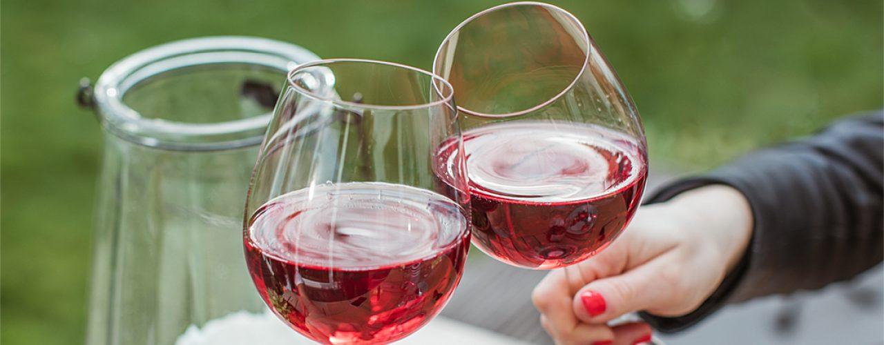 """Der einzige """"ER"""", der beim Mädelsabend wikkommen ist: Der Rosé Royal der Württembergischen Weingärtner-Zentralgenossenschaft"""
