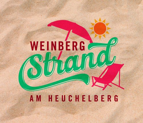 Man sieht das Logo des Weinbergstrand am Heuchelberg: Einen Liegestuhl mit Sonnenschirm, darüber scheint die Sonne.