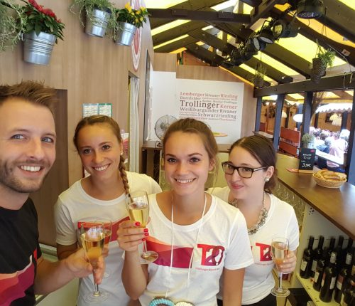 Das sympathische, junge Team in Laube 4 der Weinheimat Württemberg