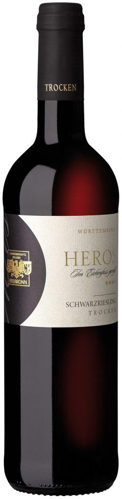 Man sieht die Abbildung einer Flasche des Heros Schwarzriesling trocken der Genossenschaftskellerei Heilbronn.