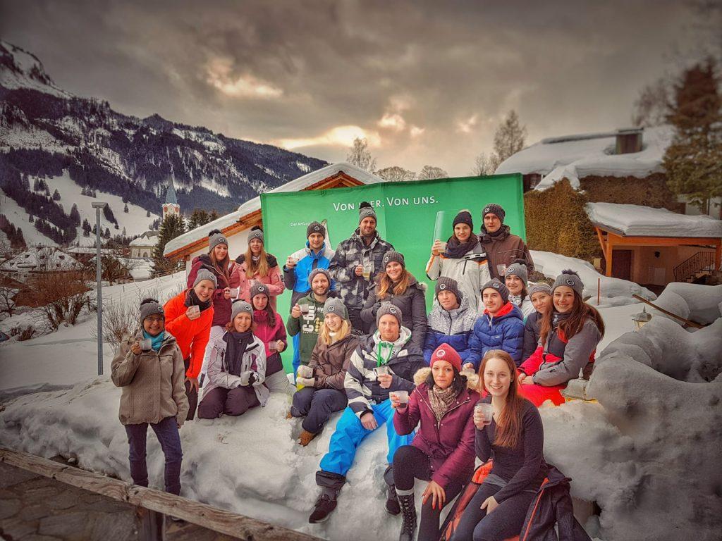 Gruppenaufnahme der Teilnehmer der Weinheimat Württemberg Glühweingaudi 2019
