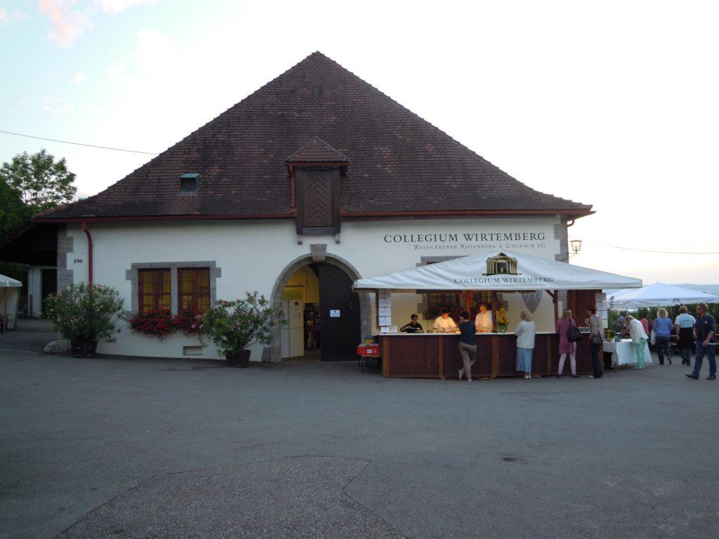 Man sieht die Rotenberger Kelter des Collegium Wirtemberg, von außen