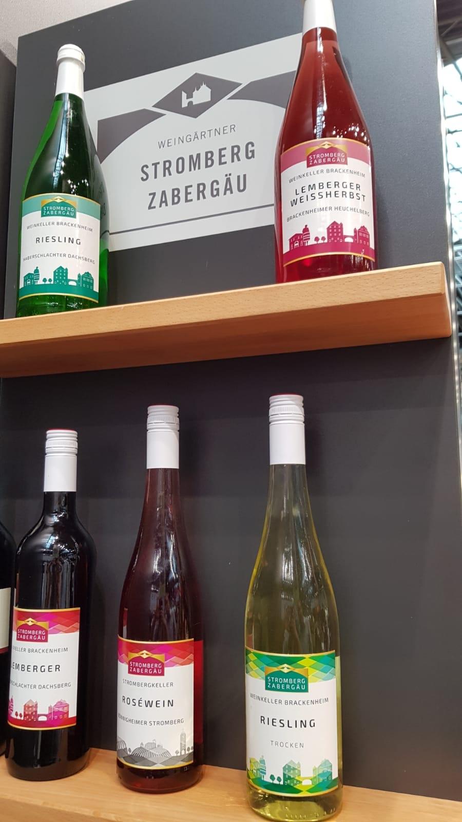 Teile der Weine der Weingärtner Stromberg-Zabergäu haben ein neues Etikett bekommen - hier sind ein paar davon zu sehen.