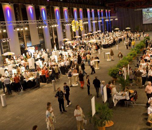 Menschen in der Duisburger Kraftzentrale bei den Baden-Württemberger Classics