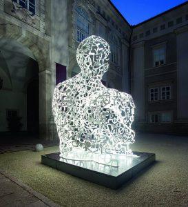 Skulptur von Jaume Plensa auf der Bundesgartenschau Heilbronn
