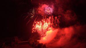 Feuerwerk bei der Schrägen WeinNacht in Felsengarten
