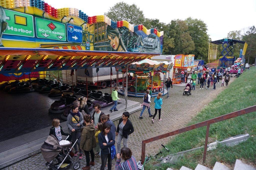 Auch einen kleinen Freizeitpark gibt es beim Weibertreuherbst in Weinsberg
