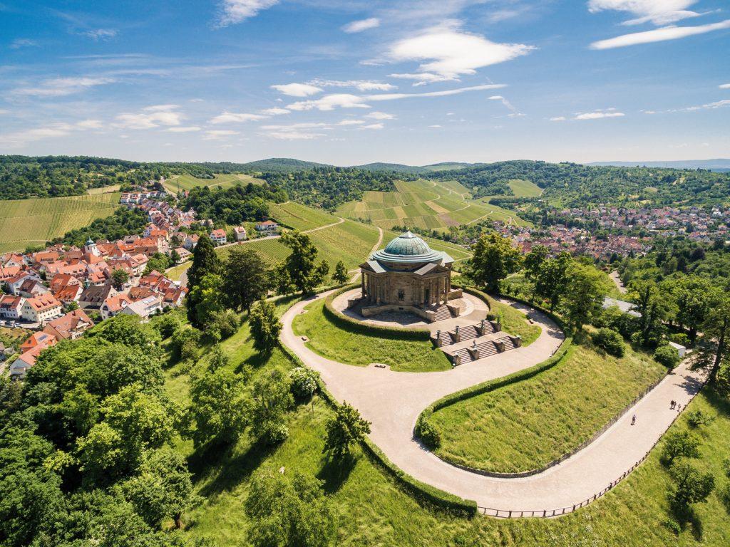 Blick von oben auf der Grabkapelle Rotenberg