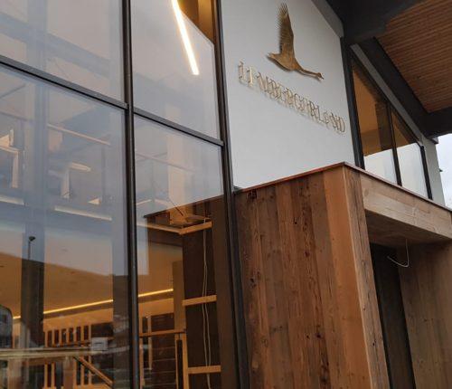 Die neue Glasfassade der Lembergerland Vinothek