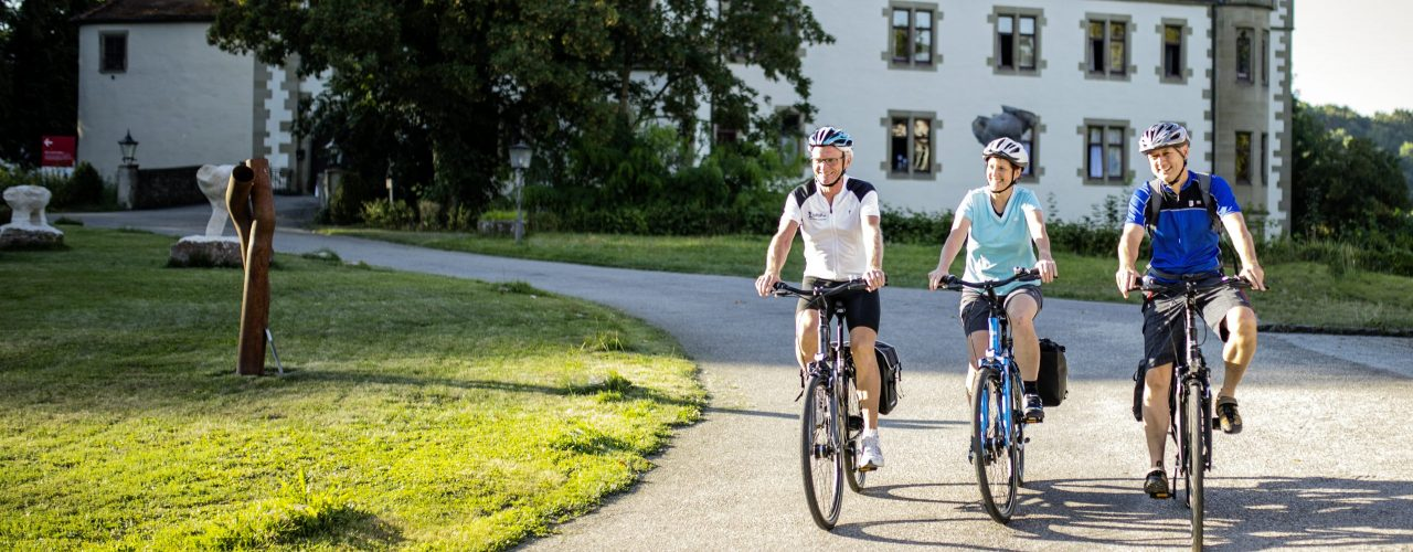 Fahrradfahrer auf dem KJ7 4Tälertour Radweg