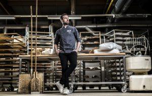 Meisterbäcker Jörg Schmid in seiner Bäckerei