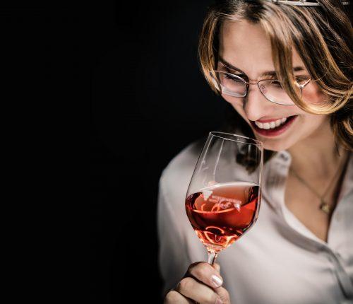 Die Württemberger Weinkönigin Tamara Elbl findet: BW Classics gehen auch super im Paket.