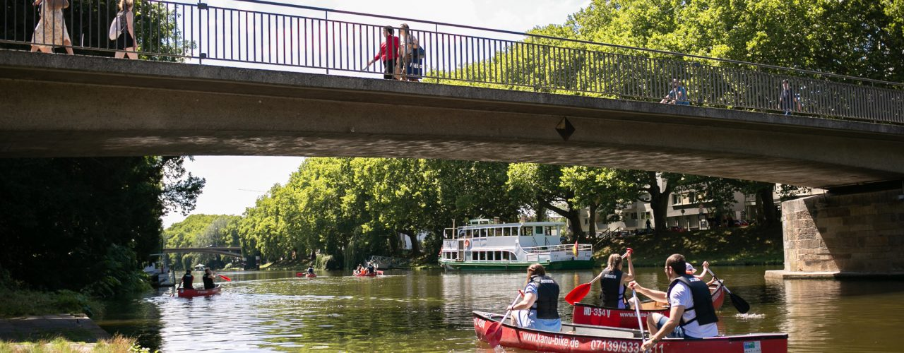 Schöne Sommerimpression aus Heilbronn: Szene am Neckar