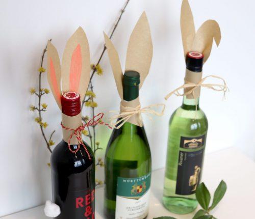Oster-DIY: Weinflasche mit Hasenohren