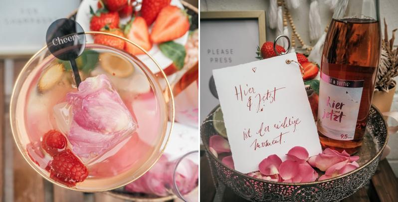 Glas mit Rosenblatt und Eiswürfen