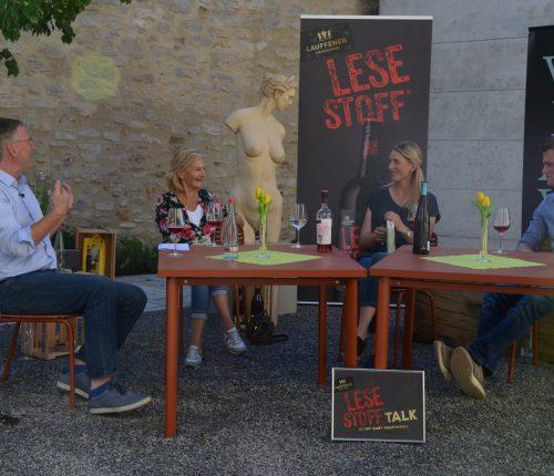 Uli Ostarhild, Gaby Hauptmann, Julia Höllmüller und Jonas Schäffer beim Lesestoff Talk