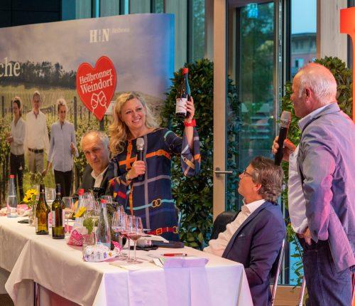 Bei zentralen Veranstaltungen im Heilbronner Parkhotel genossen die Teilnehmer exklusive Weinerlebnisse, beispielsweise mit der bekannten Weinsommerlière Natalie Lumpp.
