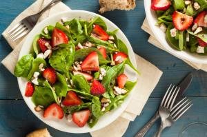 Primo #3 Roséwein: Passendes Gericht Salat mit Erdbeeren und Balsamico soße