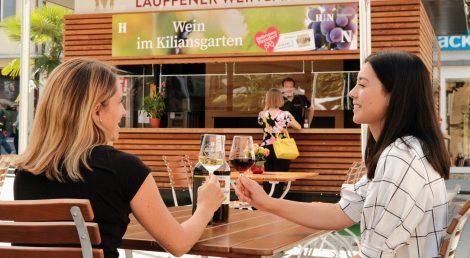 Weinausschank auf dem Kiliansplatz