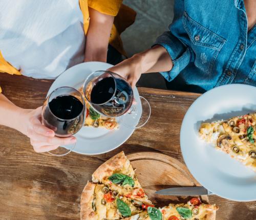 Pizza und Wein